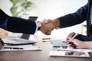 los compradores se sienten más cómodos negociando con intermediarios